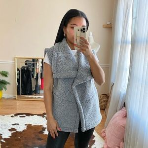 Lucy Grey Sherpa Fleece Vest M